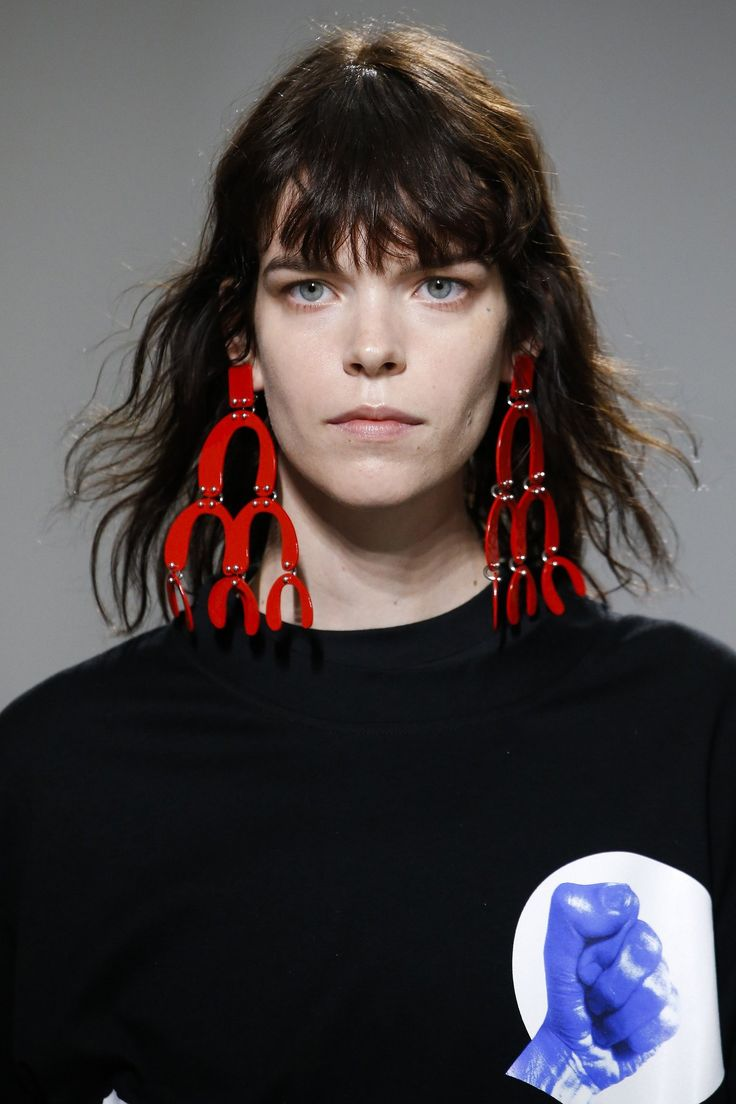 Proenza Schouler: Cascading Calder-esque shapes in contrasting colors set the tone for this week's parade of major modern art–inspired earrings.