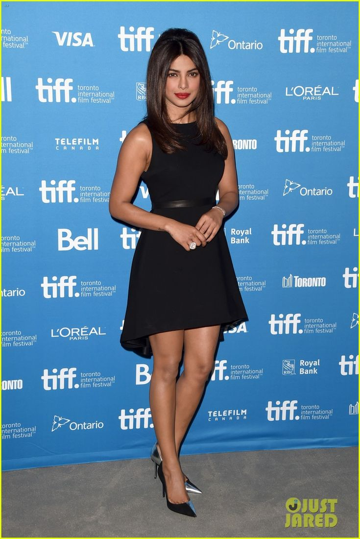 priyanka chopra mary kom toronto 06 Priyanka Chopra looks incredibly glamorous while walking the carpet at the premiere of her movie Mary Kom held during the 2014 Toronto International Film Festival…
