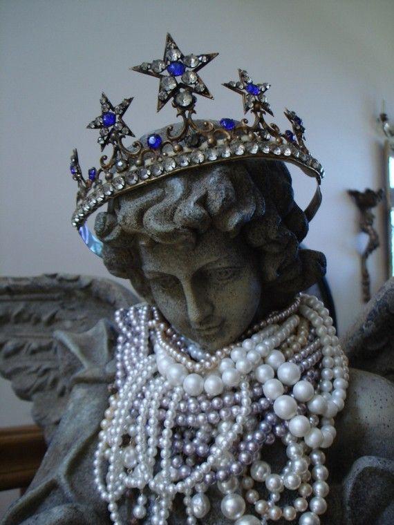 Crown. ♛