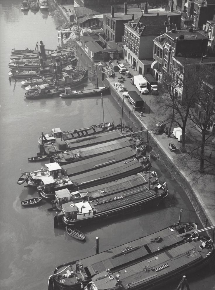 1953 - 1958. Barges in the harbor of Amsterdam. Photo Kees Scherer. #amsterdam 1953