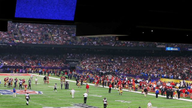 Super Bowl outage blamed on electrical relay device.    The cause of Sunday's power outage at the Super Bowl in New Orleans has been traced to an electrical relay device, Entergy New Orleans Inc. announced Friday.