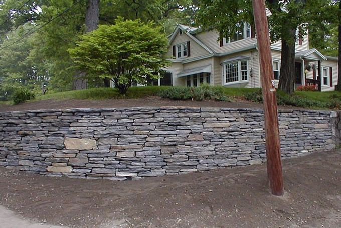 Natural stone retaining wall