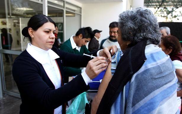 IMSS ha aplicado hasta el momento 9,062,211 vacunas para prevenir el virus de la influenza estacional - http://plenilunia.com/noticias-2/imss-ha-aplicado-hasta-el-momento-9062211-vacunas-para-prevenir-el-virus-de-la-influenza-estacional/43722/