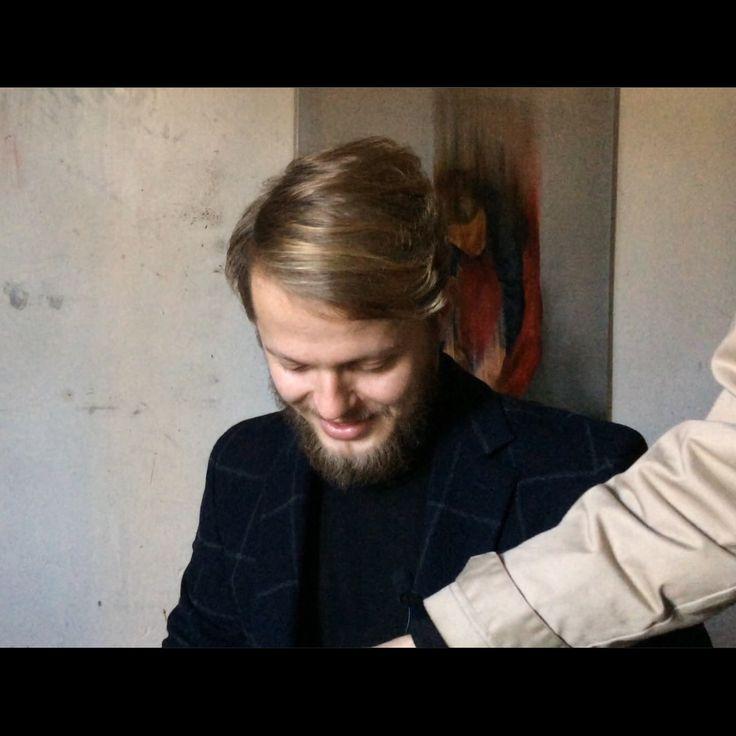 Cyprian Nocon  Behind the scenes  Golden hair  Visit studio