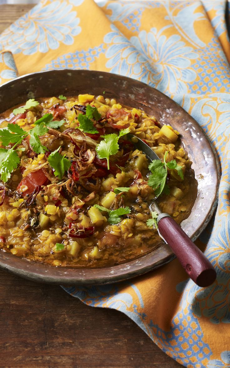 Nadiya from GBBO shows us the secret to her authentic dal - crisp onions and chillies!