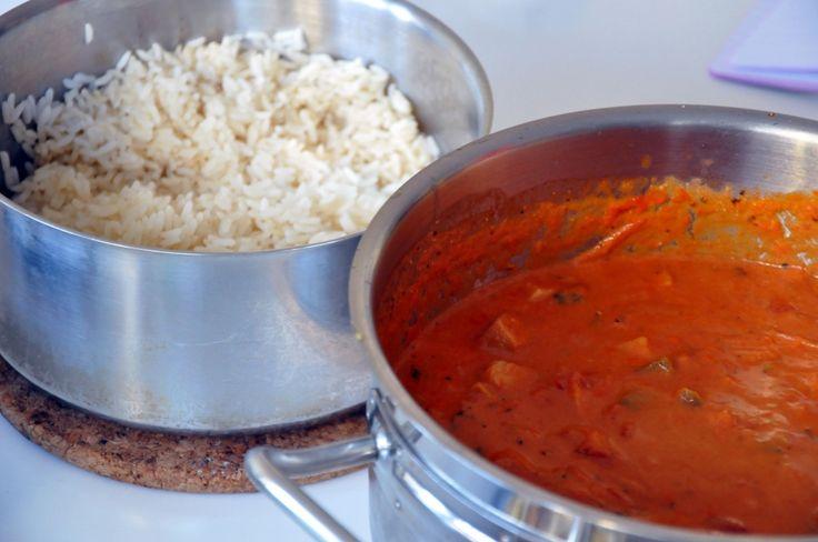 RECEPT: Snabblagad och gräddig basilikakryddad gryta med fläskytterfilé, lök, grönsaker och kidneybönor – med ris till | Emma-Lous blogg