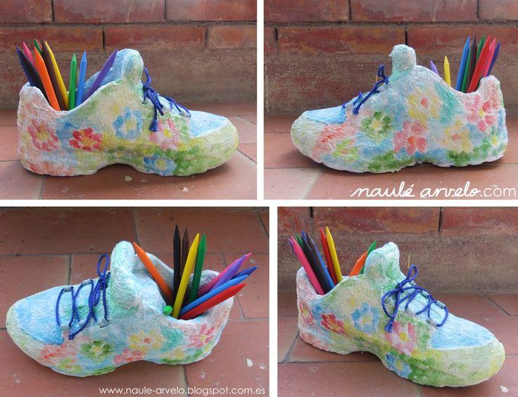 Reciclar mola: Zapato portalápices.  Hoy, nuestra amiga Naulé Arvelo, va a darle una segunda vida a un zapato viejo. ¿Te interesa? Aquí las instrucciones: http://ecoinventos.com/reciclar-mola-zapato-porta-lapices/