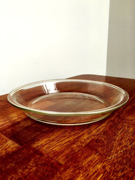 Clear Glass Vintage Pyrex Pie Pan inch) measures 10 inches across from side to side. No cracks or chips-a few small glass scratches but nothing & 18 best Market on 25th images on Pinterest | Vintage pyrex Dish and ...
