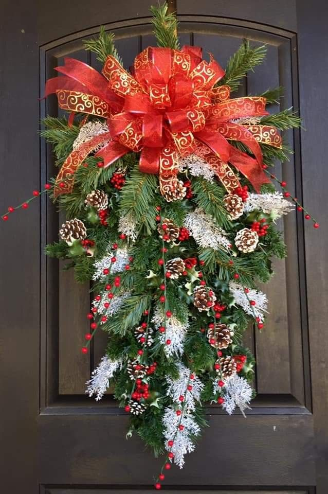 Pin By Becky Cagwin On Christmas Door Decorations Door Decorations Christmas Wreaths Holiday Decor
