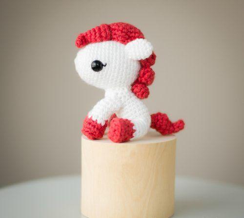 Patron Amigurumi : Poney de l'année du poney – Made by Amy