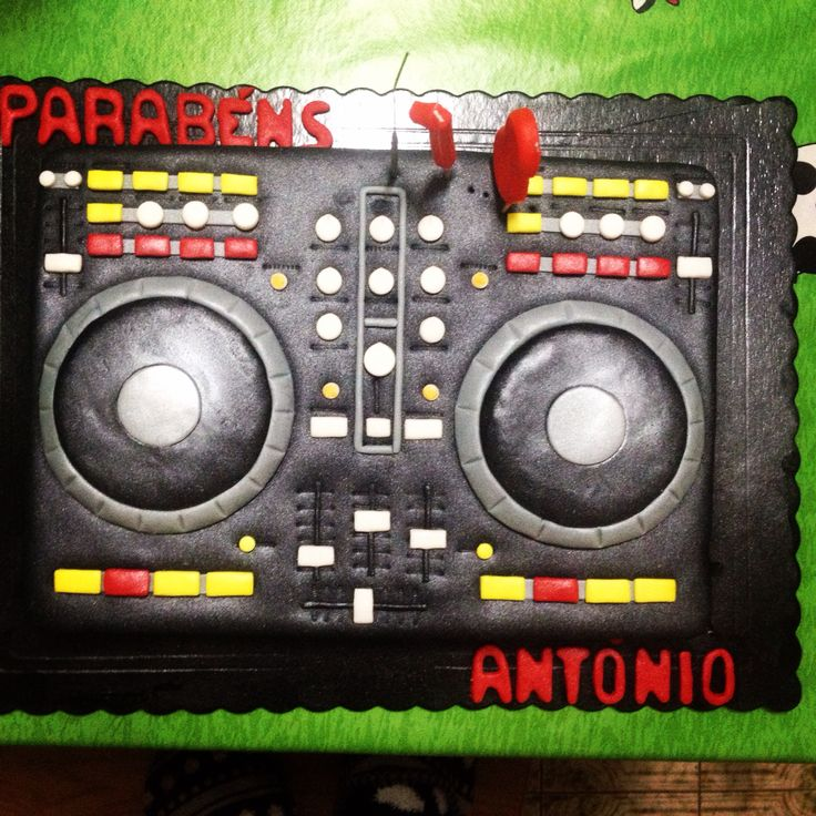 Cake design , mixer numark , dj