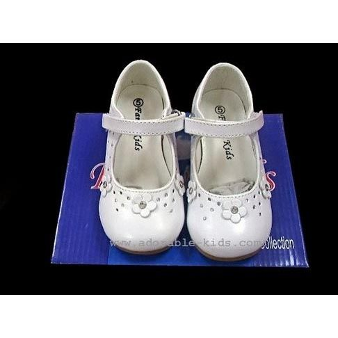 sz 6-9 Smaller  Flower Girls Shoes / ivory or white