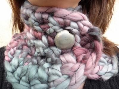 Cuello de lana color