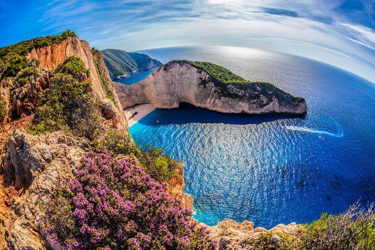 Griechische Inseln - über 6000 davon gibt es. Damit ihr genau wisst, welches die schönsten Ziele in Griechenland sind, habe ich eine Übersicht für euch!