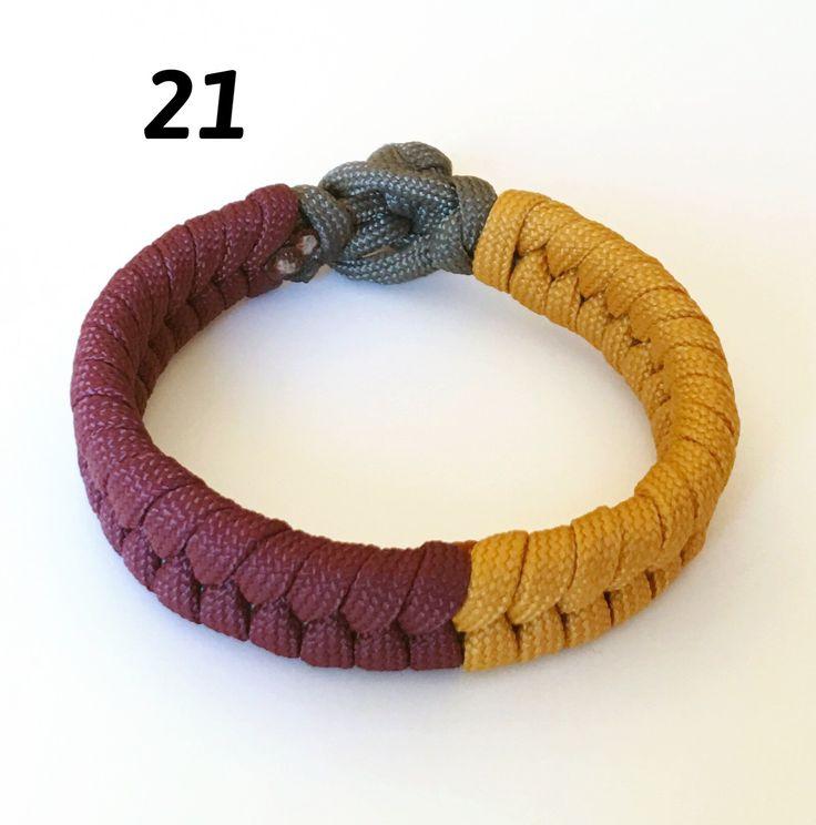 Pulsera paracord modelo 21. Cada modelo se confecciona totalmente a mano y en los colores que mas te gusten del catalogo. Se necesita medida de la muñeca y color elejido. El precio es de 12€ envio ordinaro incluido. Contacto whatsapp: 657777770. Contacto mail: catalanjordi63@gmail.com