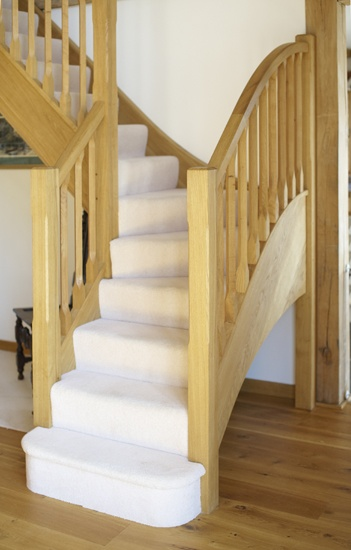 Oak Staircase With Light Carpet ❤️