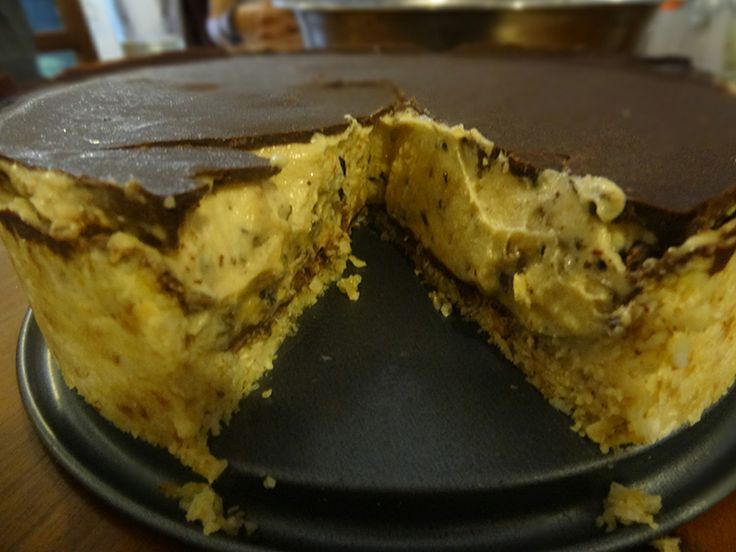 Raw Durian Chocolate Truffle Cake. Droooooollllllll - #rawfoodbali #freeshin #durianmadness #jonnyfreesh