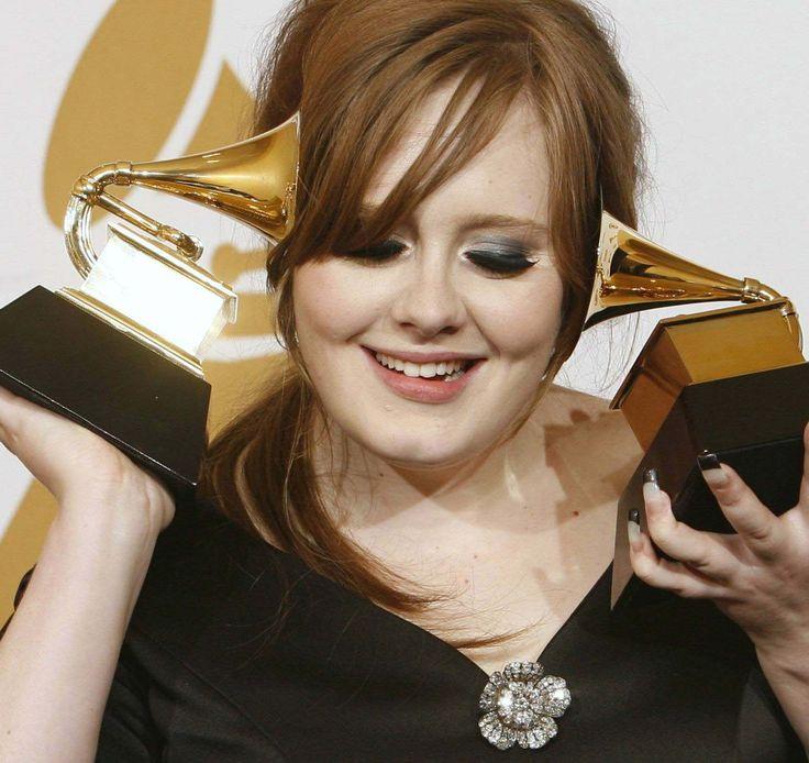 Adele no maneja su cuenta de Twitter por problemas de alcohol