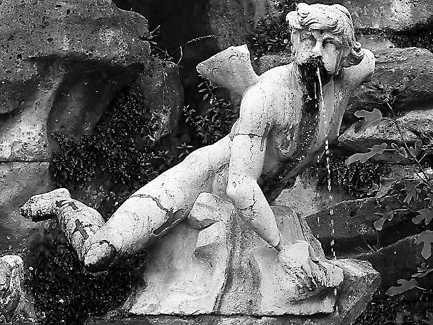 Arte alla Montalcini: Fontane Reali
