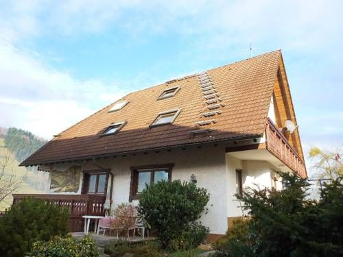 Pension Himmelsbach 1 Steinach Located 40 km from Strasbourg, Pension Himmelsbach 1 offers pet-friendly accommodation in Steinach. The unit is 34 km from Freiburg im Breisgau.  The kitchen is fitted with a microwave and there is a private bathroom. A TV is available.
