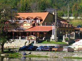 szallashirdeto.hu: Turistaház, tábor