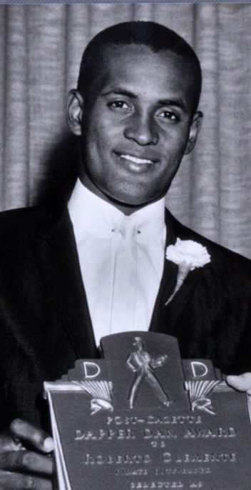 """Roberto Clemente receives the famous """"Dapper Dan Award"""" ( for looking sharp Always )"""