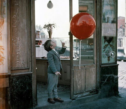 thestorycanresume:    Le ballon rouge (1956)