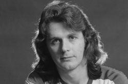 Родился в Уиллингтоне, графство Дербишир, вырос в Борнмуте. Профессиональный музыкант с конца 1960-х. Наибольшего коммерческого успеха достиг в группе Asia, выступая в качестве фронтмена и основного автора песен. Свою музыкальную деятельность Джон Уэттон начал в 60-�