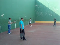 En el polideportivo
