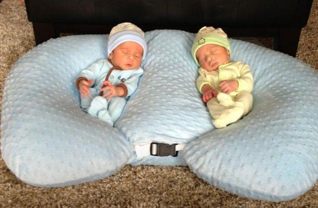 Babykamer Tweeling Ideeen : Father Expecting Twins