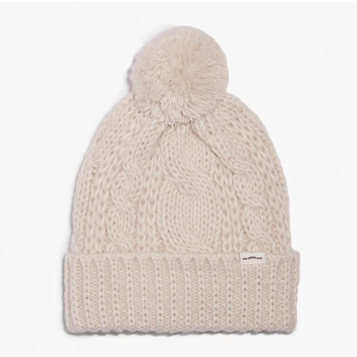 LEVI'S LOFTY CABLE BEANIE - CREAM. #levis #