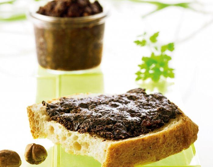 Nøddesmør med hasselnødder, kakao og tranebær