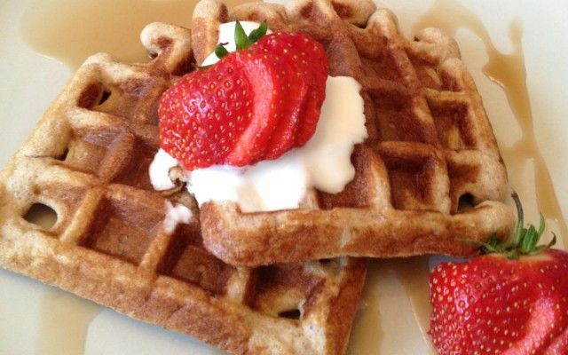 Coconut Almond Flour Waffles (grain, gluten, sugar, and dairy free ...
