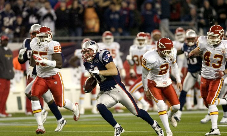 Patriots Julian Edelman to return at full throttle = Patriots wideout Julian Edelman has been out with a foot injury, but it looks like the way the Pats held him out at the end of the reason has paid off. He's expected to return to the postseason for the matchup with the Kansas City Chiefs, and he said.....