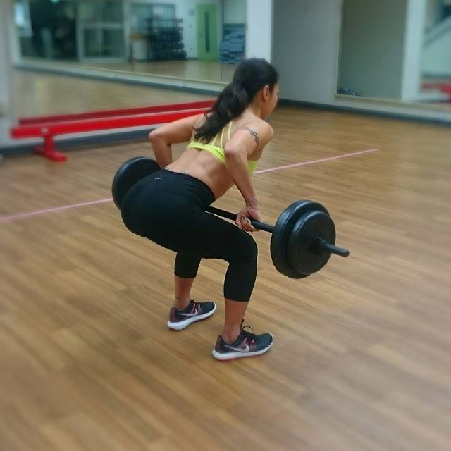 【kaori_wd】さんのInstagramをピンしています。 《昨日のgymトレーニング 腹筋やお尻のトレーニングはおうちでやるけれど、背中はなかなか家じゃやらない  これも結構ー、キツいの 夏に向けてかっこイー背中目指してがんばろ~っと❤  #gym