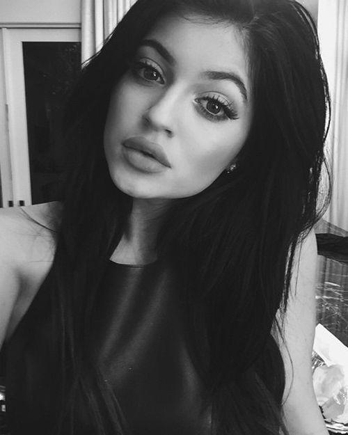 #wattpad #vampiros Soy Sofia Manson de 19 años de edad de tez blanca, ojos…