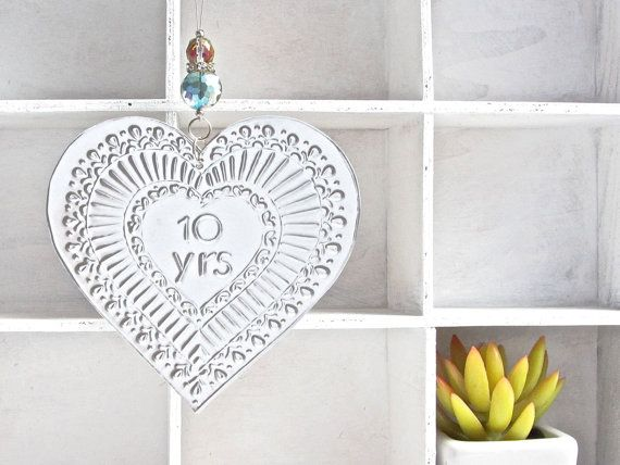10 Wedding Anniversary Gift Ideas: 1000+ Ideas About 10th Anniversary Gifts On Pinterest