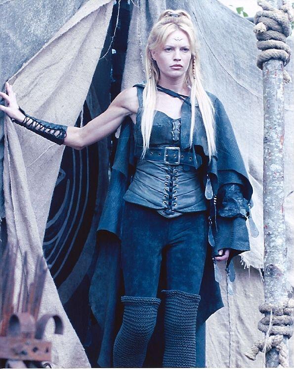 Jolene Blalock Stargate | Jolene Blalock Ishta Stargate SG 1 Photo