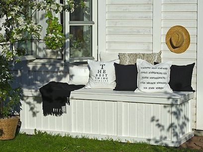 Make a storage box for your garden lounge cushions?Yes I will!