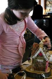 How to make a fairy garden house: Creative Projects, Fairies Gardens Houses, Fairie Gardens, Real Fairies, Fairy Houses, Diy Fairies, Faeries Houses, Fairies Houses Gardens, Gardens Fairies