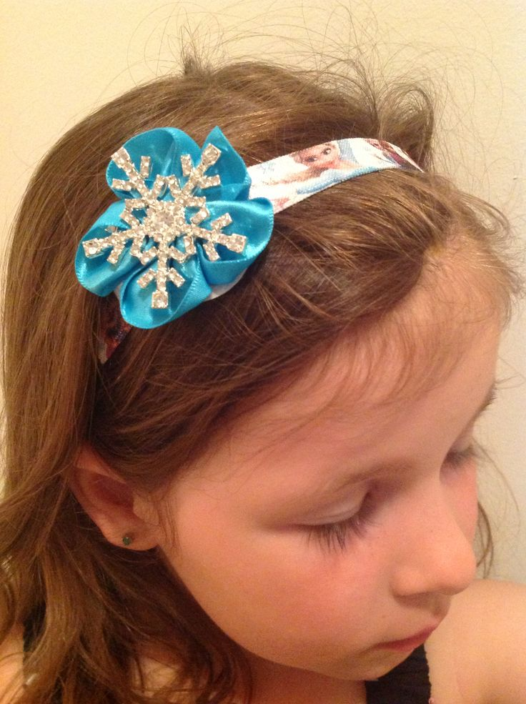 Custom Frozen inspired headband. Contact us for your custom piece: perfectlittleadditions@yahoo.ca. Find us on Facebook: facebook.com/perfectlittleadditions.