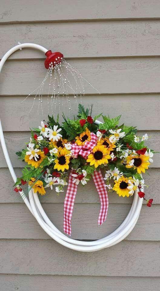 Cute garden wreath!