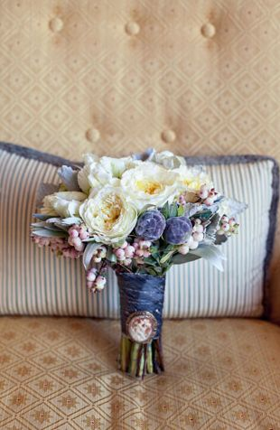 @Samantha, the colors in this one are pretty too!  beautiful vintage bouquet!