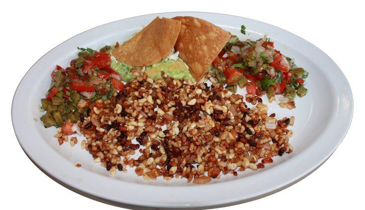 Los escamoles, o el caviar mexicano, son lavas de hormigas que debidamente preparado se vuelven un manjar. Ven a Tlaxcala y compruébalo.