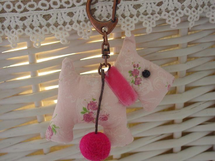Porte clés chien et boule en laine cardée n°618 : Porte clés par galinours