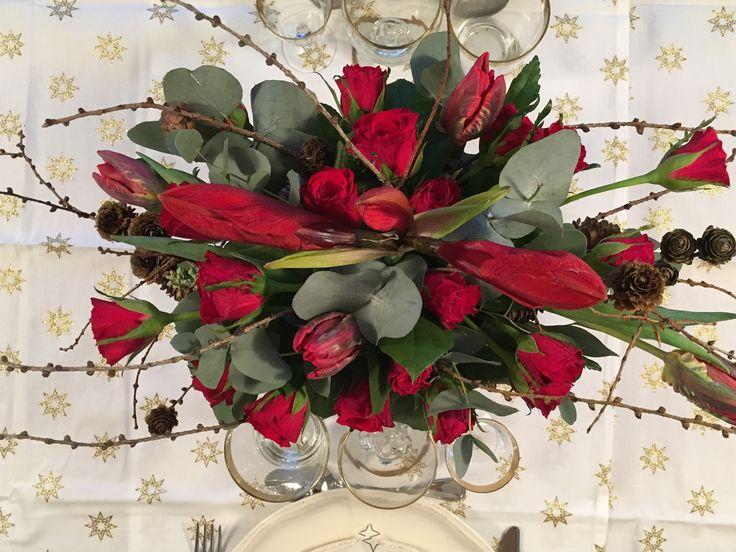 Dekoration i rød til jul