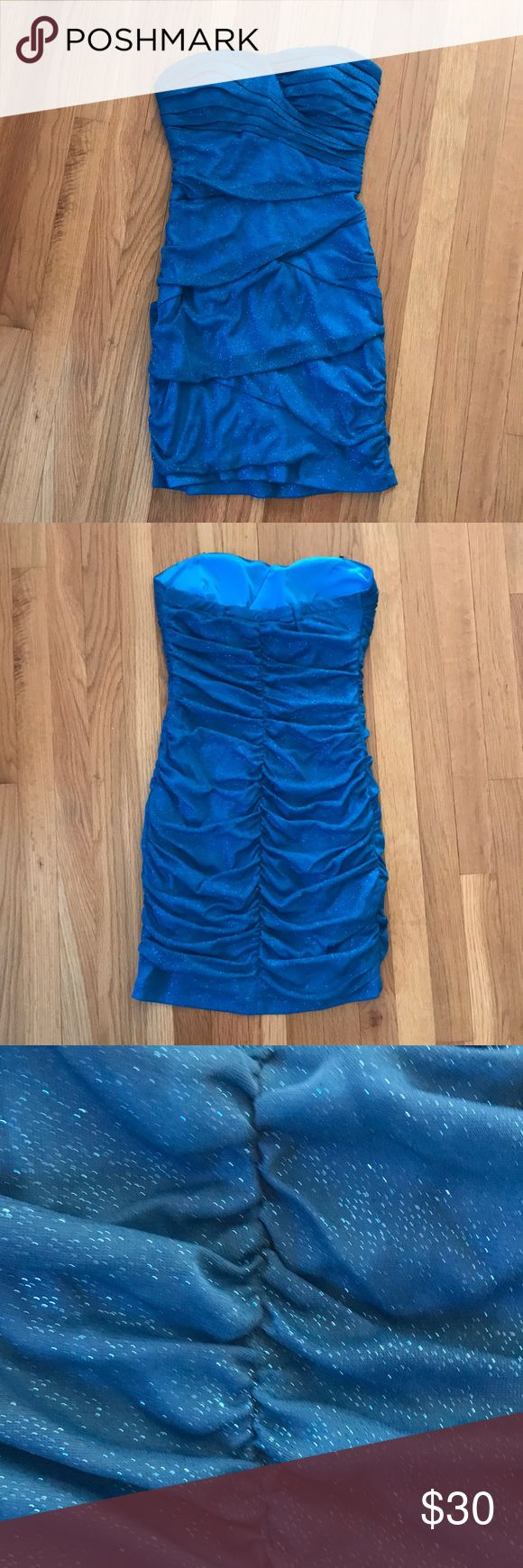 Semi formal dress Fitted, sparkly semi formal dress that will make your shine. Perfect for dances, weddings, and other semi formal parties. Soft and hugs the body comfortably while accentuating the curves of the body. No zipper. City Triangles Dresses Midi