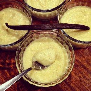 De la semoule fine cuite dans du lait parfumé à la vanille