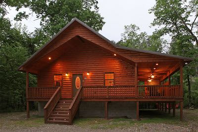 1 Bedroom Rental Cabin near Broken Bow and Beavers Bend State Park. Hideaway Haven overlooks a beautiful creek.