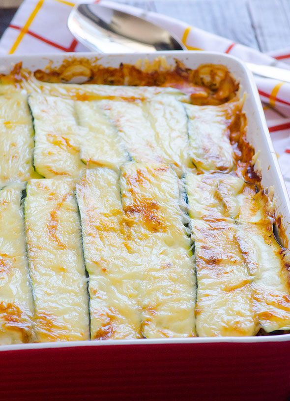 Clean Eating Zucchini Lasagna Recipe - Your favourite comfort food healthy way with only 7 ingredients: turkey, cheese, zucchini, cottage cheese, tomato sauce, spinach and quinoa. | ifoodreal.com